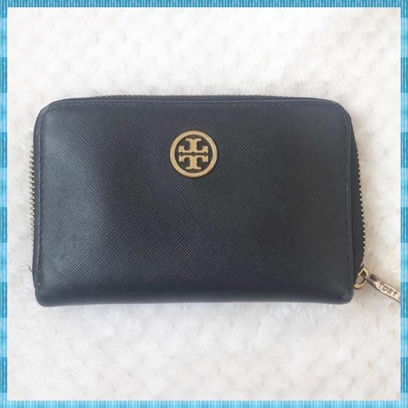 8355f184675 TORY BURCH Small Black Wallet ✨. M 5abfb7582ae12f0e4ff47de4